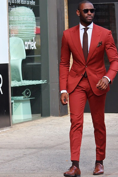tenue classe homme costume rouge