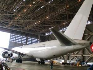 飛行機整備工場