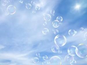 空に舞う泡