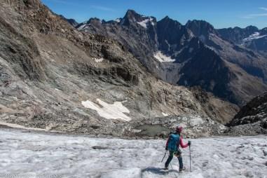 Un petit lac glaciaire en haut de la rampe