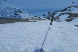 Un rappel necessaire sur une neige raide plaquée qui a gommé les échelles