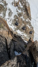 Escalade sous surveillance à l'Aiguille du Midi