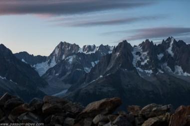 Et sur les Aiguilles de Chamonix et les Jorasses