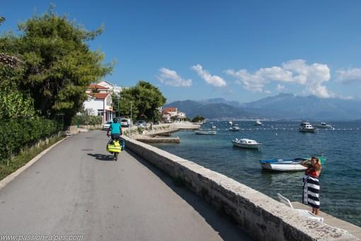 Le littoral entre Herceg Novi et Kotor a su rester assez préservé, c'est un régal en vélo !