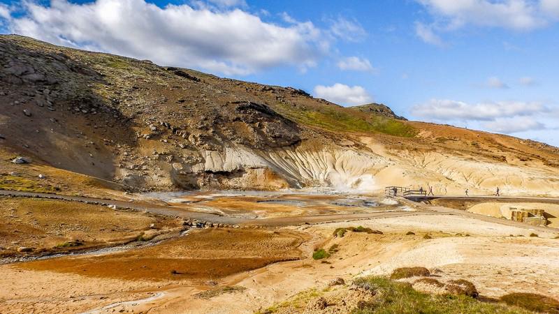 Visite guidée en Islande, site géothermal de Krisuvik dans la péninsule de Reykjanes