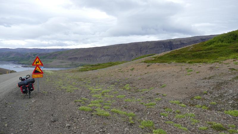 Islande à vélo de la Snaefellsnes aux fjords de l'Ouest, passage par un col entre deux fjords