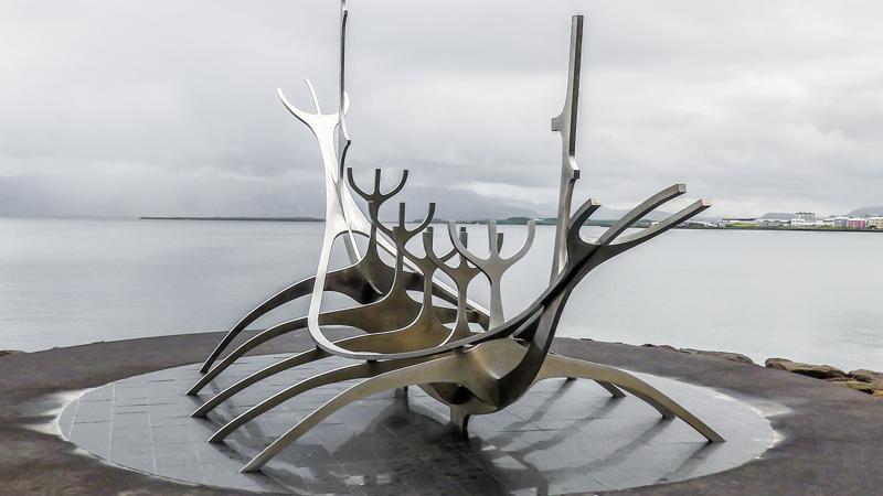 Histoire de l'Islande, le blog : Solfar , le voyageur du soleil, sculpture de Drakkar