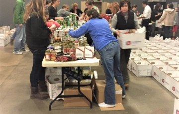 """Help support Passion for Community's Annual Thanksgiving Meal Collection now through November 24! There are many ways that you can get involved, click """"Learn More"""" below for more information on how you can give a family a Thanksgiving meal this year."""