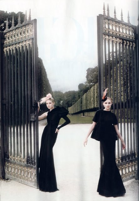 High Fashion Hapers Bazaar November 2007 Snejana Onopka Jessica Stam Karl Lagerfeld