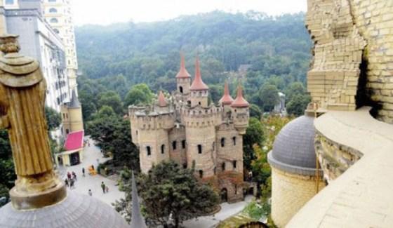 Chongqing-castles6-550x363