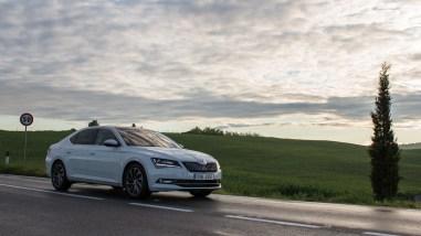 Neuer Škoda Superb L&K 2.0 TSI