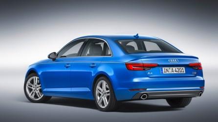 Neuer 2016 Audi A4 B9 Limousine (Heckansicht)