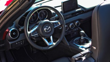Mazda MX-5 ND Sports Line SkyActiv-G 160: Cockpit und Innenraum