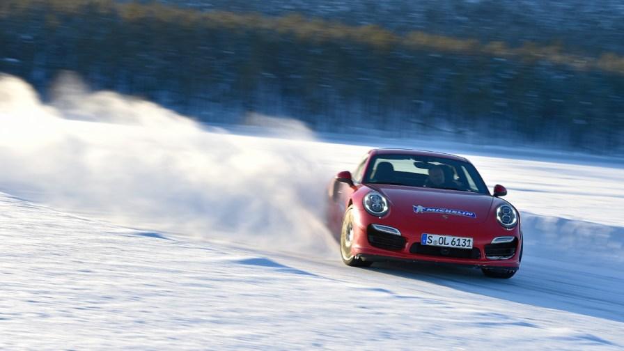 Porsche 911 - Michelin Pilot Alpin PA4 Winterreifen