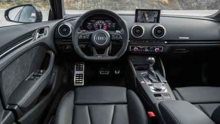 Innenraum und Cockpit - Audi RS 3 Limousine 2017 8V in Vipergrün