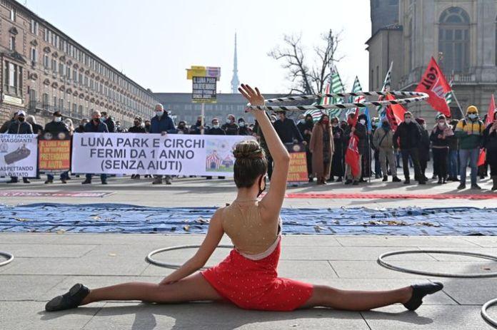 manifestazione circo a torino
