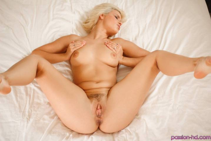 Passion Hd Anikka Albrite in Sex Drive 1
