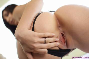 Passion Hd Holly Michaels in Hide and Seek 10