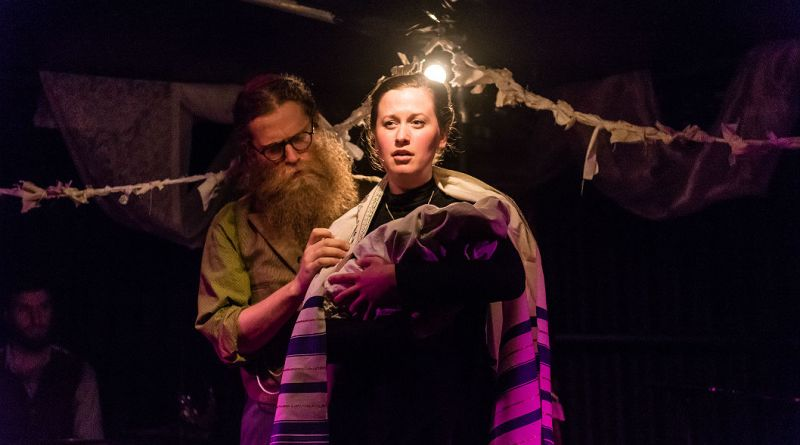 Old Stock - BEN CAPLAN et MARY FAY COADY - credit STOO METZ PHOTOGRAPHY