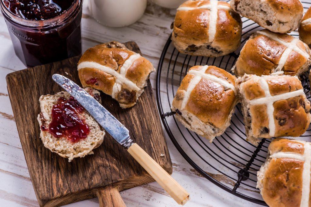 Pâques Cross Buns - par Epicurious