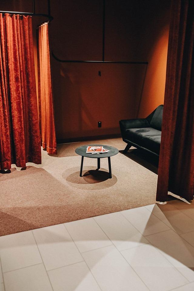 Le nouveau lounge est ouvert