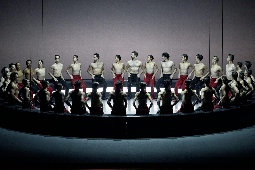 Carmina Burana photo des danseurs sur la scène