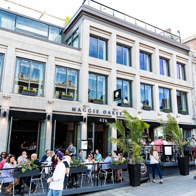 restaurant Vieux-Montréal Maggie Oakes photo
