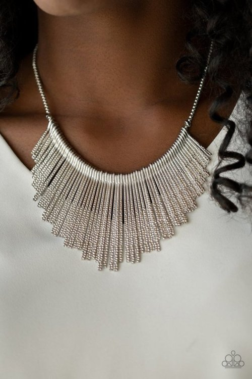 SilvSilver Statement Necklaceer
