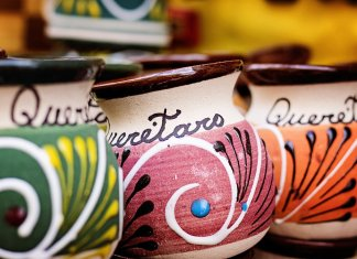 floral mugs with queretaro writing