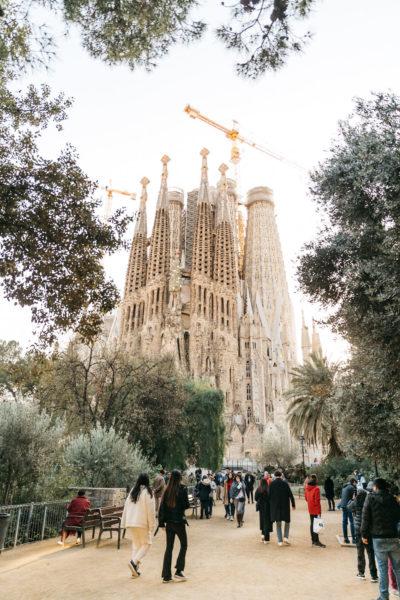 crowd outside sagrada familia in barcelona