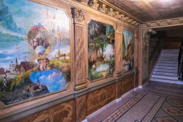 The painted hallways in Sololaki, Tbilisi.