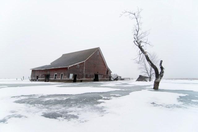 10-Paul-Johnson-Passion-Passport-Photo-Essay-Devils-Lake-North-Dakota-Barn