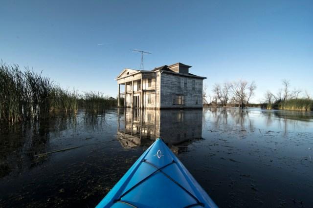 22-Paul-Johnson-Passion-Passport-Photo-Essay-Devils-Lake-North-Dakota-Kayak