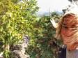 Hiking-selfie-adventure