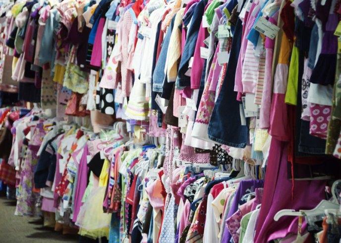 clothescloseupgirls