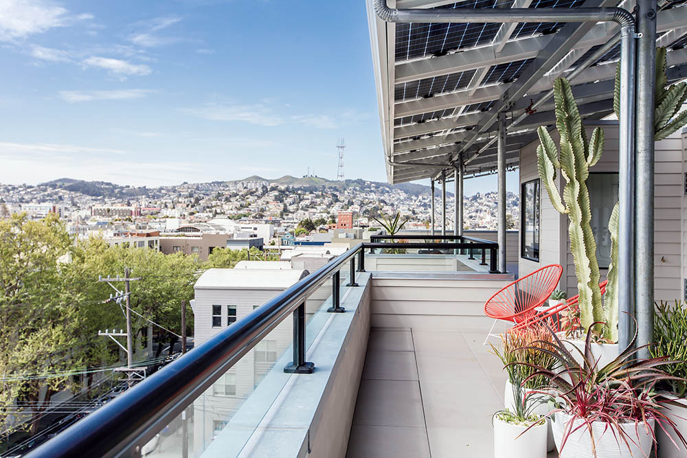 Sol Lux Alpha - back deck w/expansive view of San Francisco
