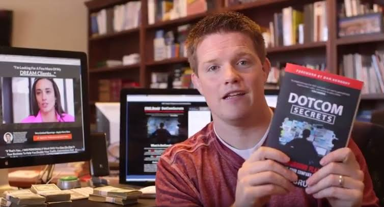 Dotcom Secrets Book with Russell Brunson - Book review