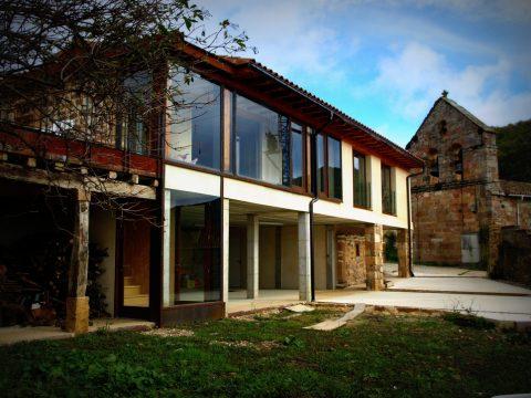 Ejemplo de arquitectura bioclimática bajo estándar passivhaus en Palencia