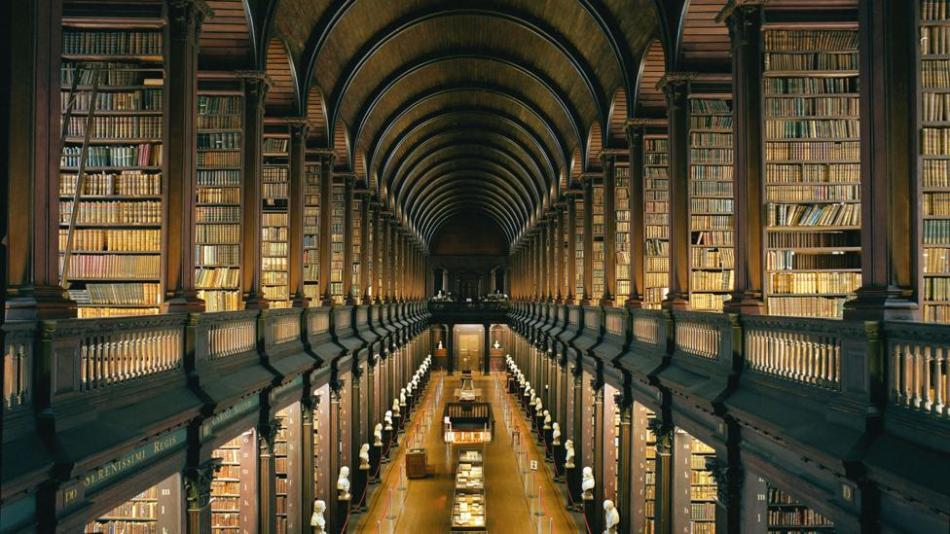 CN75HD Library at Trinity College, Dublin - The Long Room