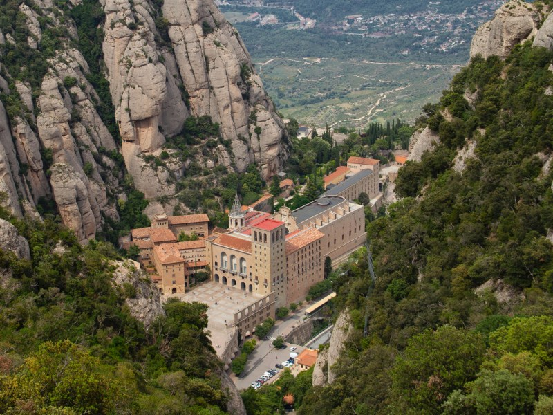 Beautiful places near Barcelona - Montserrat Mountain and Monastery