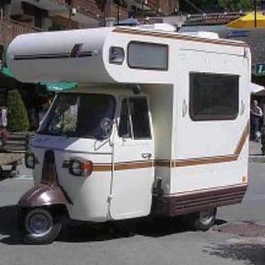 verrueckt-campingbusse-wohnmobile-komische-camper-ungewoehnliche-selbstausbauten-diy-camperausbau-wohnwagen-ausbau-vanlife-conversion-1