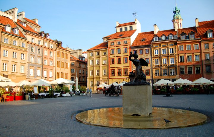A Weekend in Warsaw Travel Guide - Warsaw's Old Town Square