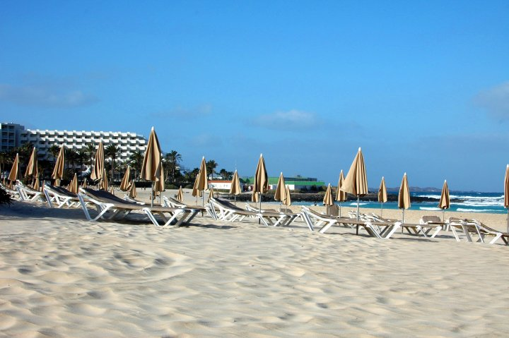 Corralejo, Fuerteventura Travel Guide and Photo Diary