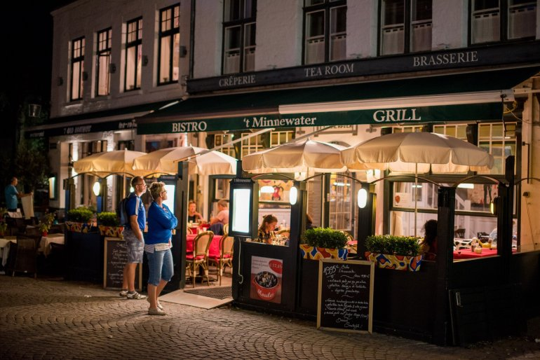 't Minnewater - The 6 Best Places to Eat and Drink in Bruges, Belgium