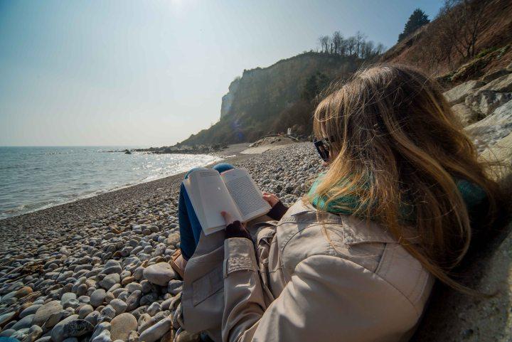Sunshine Blogger Award 2018 - Seaton Hol, Seaton, Devon