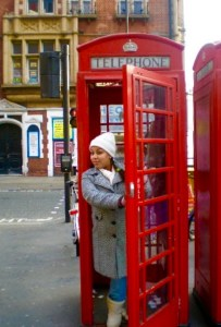 Wondering what to do when you visit London? Check out this tongue in cheek guide on how to be a tourist in London on Passport and Plates!