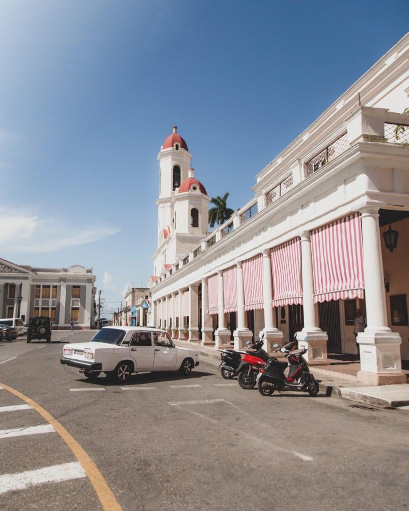 que ver en la catedral de Cienfuegos Cuba