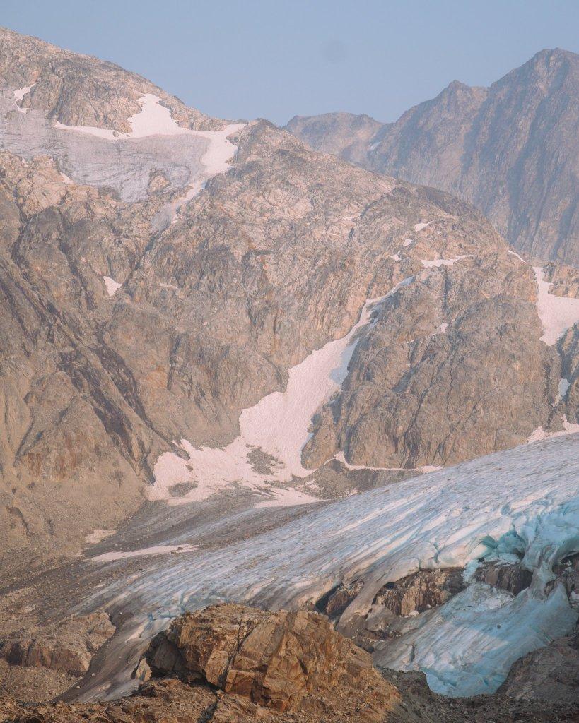 Hike in Whistler - Wedgemount Lake Glacier