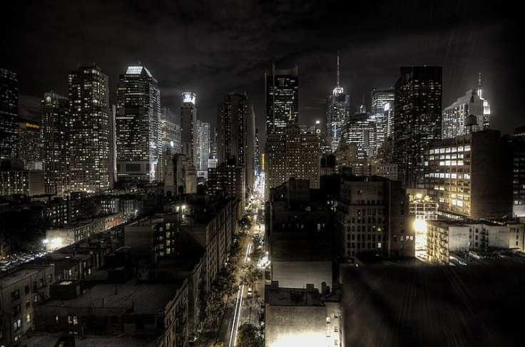 800px-New_York_City_at_night_HDR
