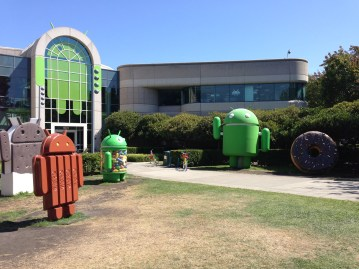 Android_building_in_Googleplex_with_more_sculptures